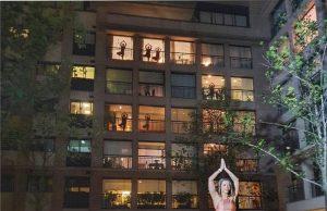 Aulas de treino e dança em varandas e janelas de São Paulo
