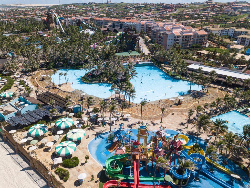Beach Park reabre após 140 dias fechado