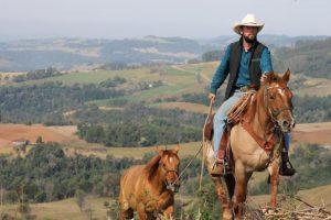 Brasileiro percorre toda a América a cavalo