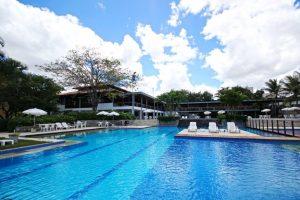 O Nordeste, por sua vez, é destino que vai muito além das praias. Por lá, em Pernambuco, apresenta-se como alternativa de acomodação o hotel-fazenda Portal de Gravatá, na cidade de Gravatá, a 84 km da capital Recife.