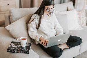Home office pode aumentar problemas decorrentes da má postura