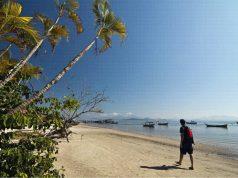 Ilha do Mel vacina 100% da população e recebe turistas