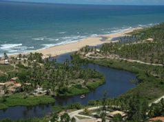 Imbassaí, na Bahia, é ótima opção para viagens em julho com crianças