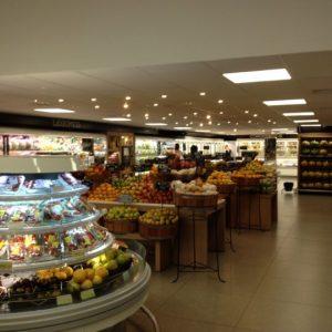 Inaugurado 1º supermercado num aeroporto no Brasil