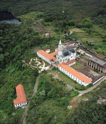 Santuário do Caraça: imersão na história, cultura, natureza e gastronomia