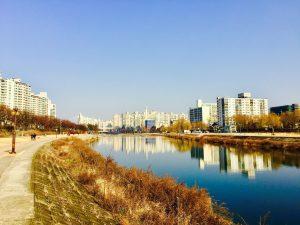 Sete cidades para explorar em passeios a pé